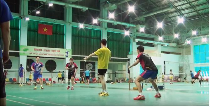 Các tay vợt cầu lông đôi nam Hàn Quốc tập luyện tại Việt Nam