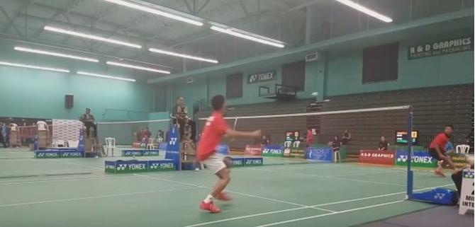 Tay vợt Kento Momota thi đấu tại giải cầu lông  Yonex/K&D Graphics International Series 2017