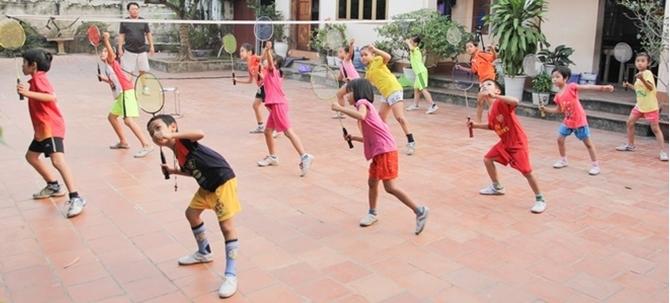 Cách chọn vợt cầu lông cho trẻ em tốt nhất bạn cần biết