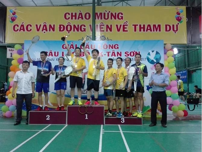 Sân cầu lông Tân Sơn - Sân đánh cầu lông yêu thích tại Tân Bình