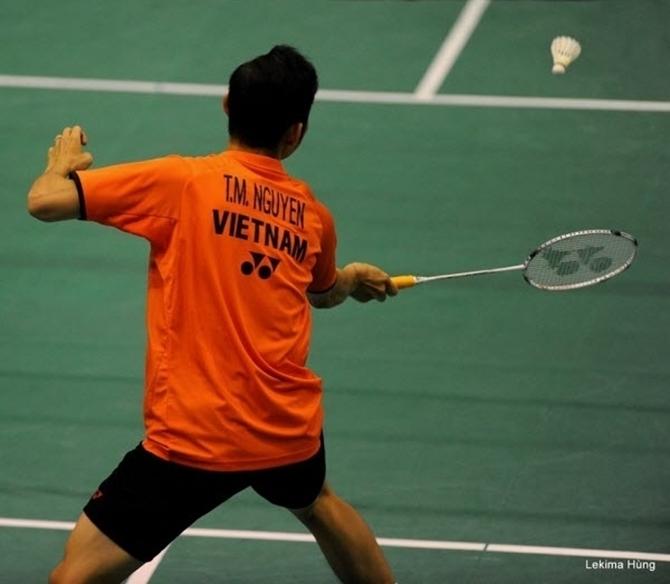 Tiến Minh dùng vợt gì trong những năm tháng cuối sự nghiệp?