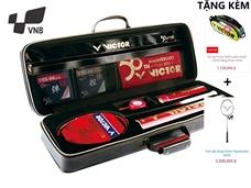Hình ảnh củaHỎA KIẾM - Set vợt cầu lông Victor tinh túy 50 năm. TẶNG vợt HX090 + Túi Victor