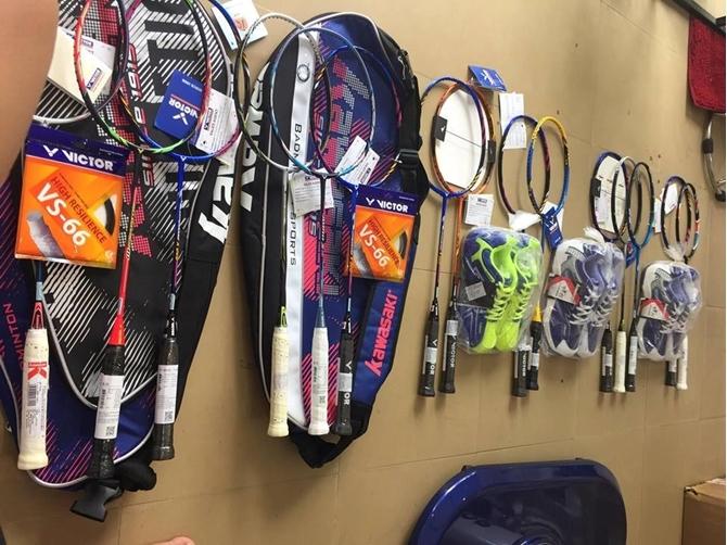 Cách chọn vợt cầu lông Victor khuyễn mãi 2018 đúng với trình độ